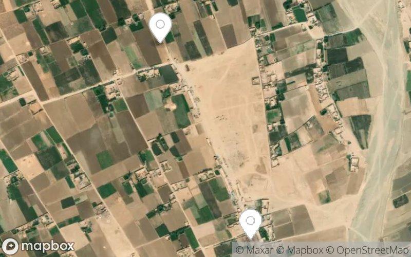 Auto und LKW in der Wüste