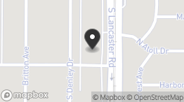 CREST PLAZA SHOPPING CENTER: 2627 S Lancaster Rd, Dallas, TX 75216