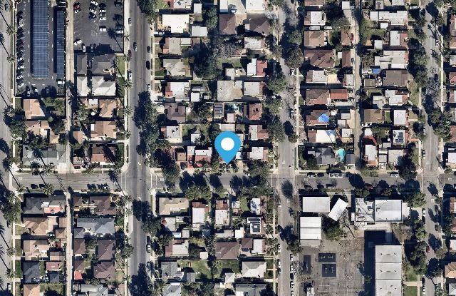 467 W 25th Street - 467 West 25th Street, Long Beach, CA 90806
