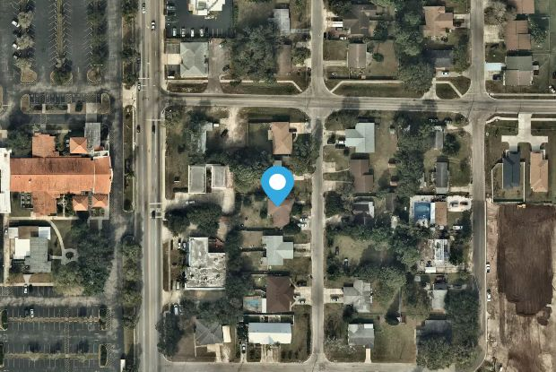 3010 25th St W - 3010 25th Street West, South Bradenton, FL 34205