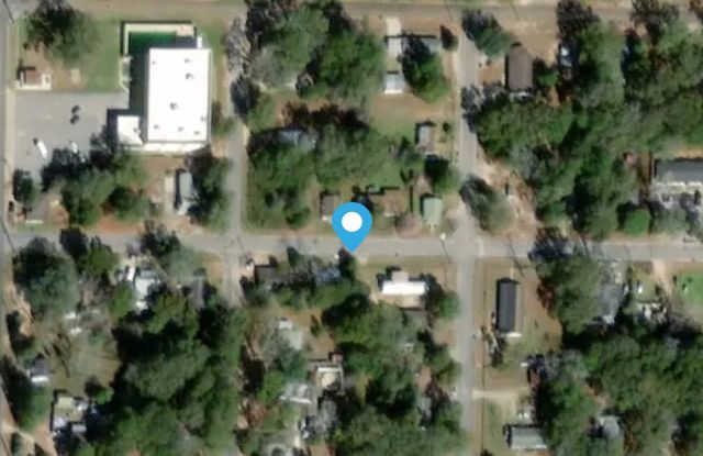 532 Brock Ave - 532 Brock Ave, Crestview, FL 32539
